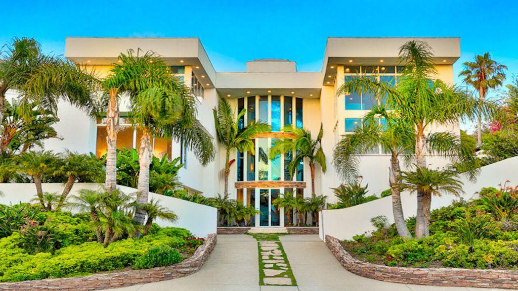Elegant 3 Story Broad Beach House - SGE Realty