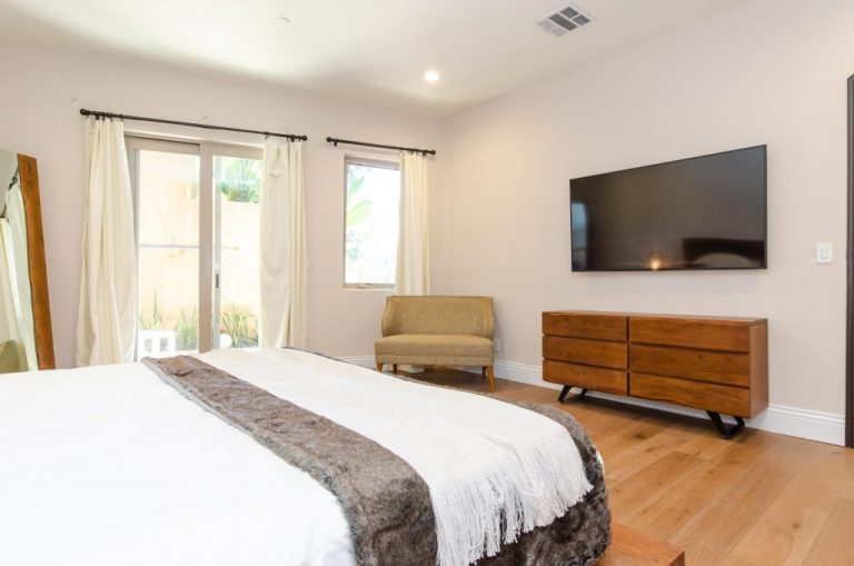 Bedroom-6-Pool-Floor-04-1024x678