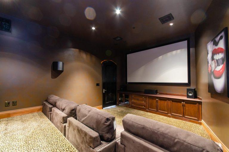 Movie-Theater-03-1024x678